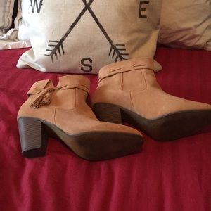 Light tan size 11 ankle boots by Plume from target